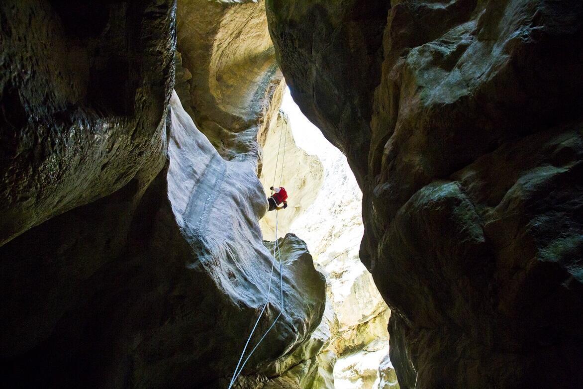 Bu kanyona girenler büyüleniyor!