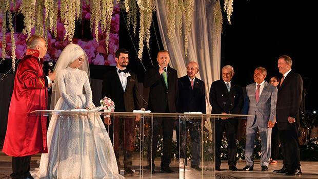 Cumhurbaşkanı Erdoğan Bakan Zeybekci'nin kızının nikah şahidi oldu