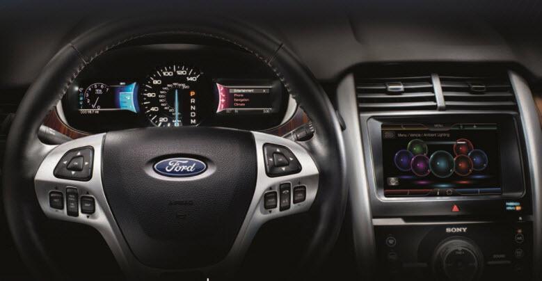 Ford çıkarılabilen direksiyon için düğmeye bastı