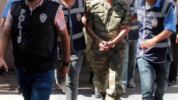 Darbeci askerlere ağırlaştırılmış müebbet hapis verildi