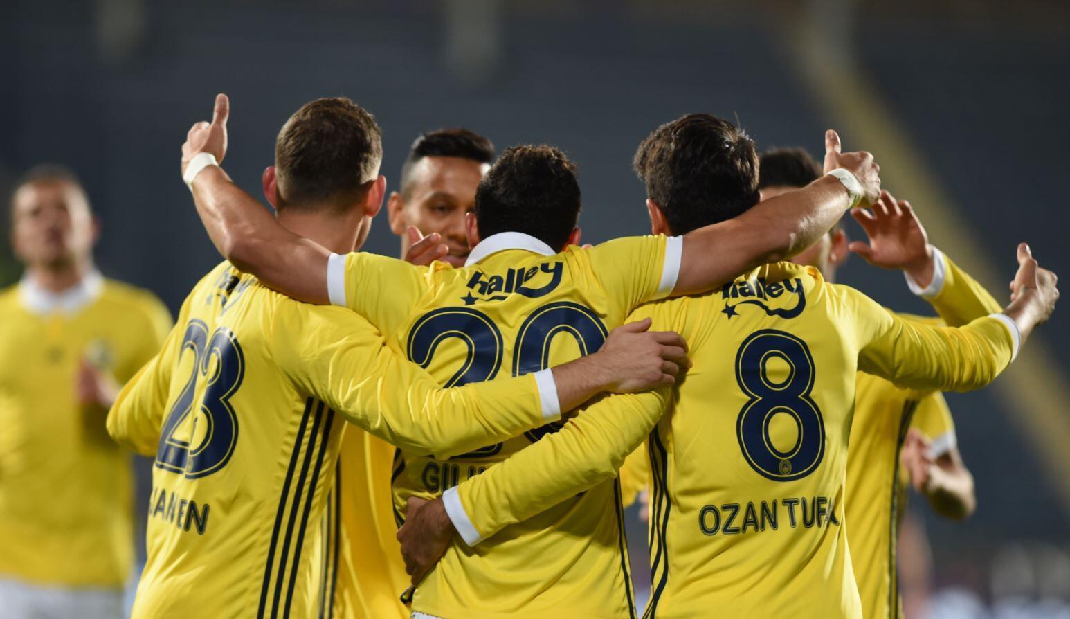 Fenerbahçe Opete Bulgar smaçör 36
