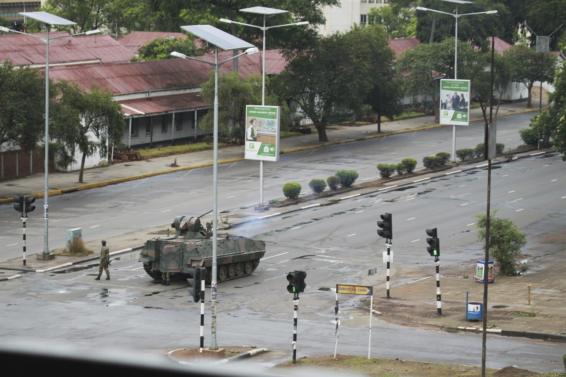 Genç kızı dövdüğü iddia edilen eski Zimbabwe First Ladysi için tutuklama kararı 59