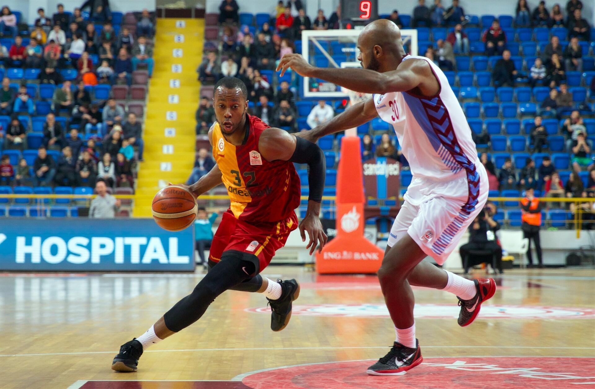 Trabzonspor'dan Galatasaray'a ağır darbe