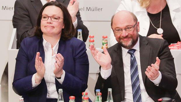 SPD kurultayından 362 oyla 'Evet' çıktı