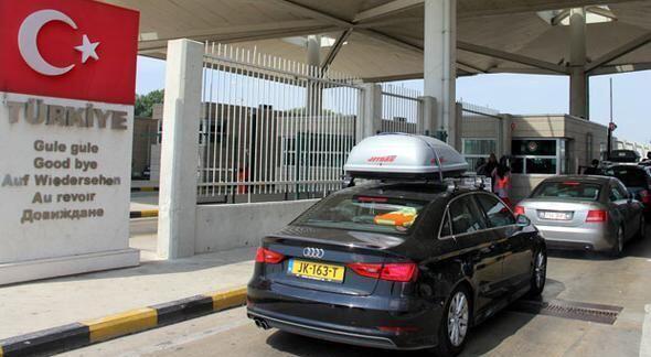 İçişleri Bakanlığının yönetmeliğine göre, sürücüsünün Türk vatandaşı olup olmadığına bakılmaksızın