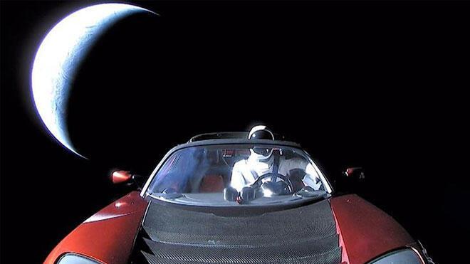 Elon Musk Dünya'ları onun içine sığdırıyor!
