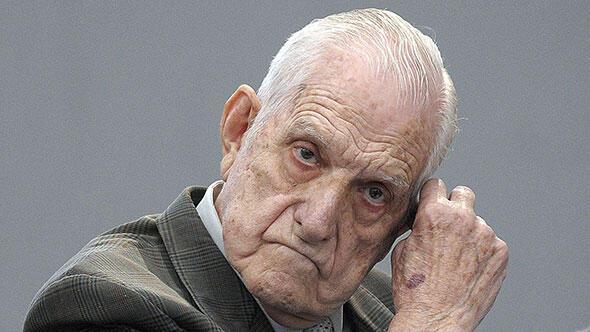 Bignone`nin, kalp yetmezliği nedeniyle hayatını kaybettiği belirtildi.Arjantin`de 1976 yılındaki askeri