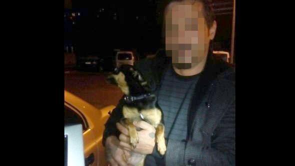 BARTIN Asayiş Şube Müdürlüğü ekipleri, ellerindeki küçük köpekleri dolaştırıyormuş gibi