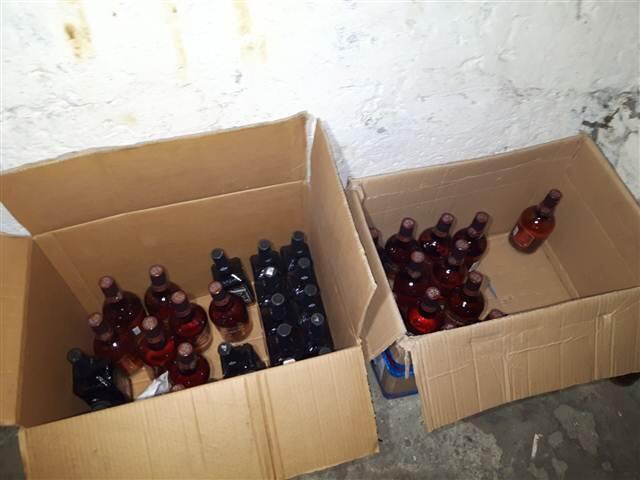 Kumburgaz'da bulunan lüks bir villada sahte içki üretildiği ihbarını alan