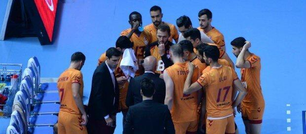 Galatasaray evinde Arkas'a yenildi