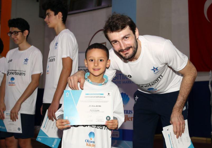 Birkan Batuk, One Team çalışmasında antrenörlük yaptı