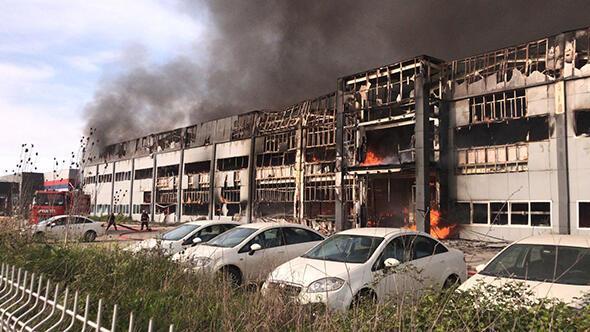 Hendek Kargalıhanbaba Mahallesi'ndeki 2. Organize Sanayi Bölgesi'nde bulunan mobilya fabrikasında