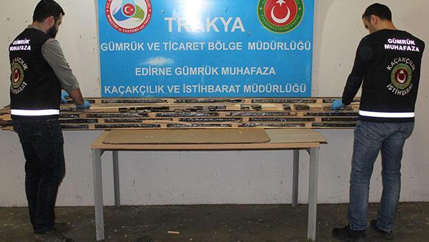 Türkiye'ye giriş yapmak için Kapıkule Sınır Kapısı'na gelen Sırbistan uyruklu