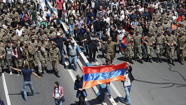Kalaşnikov'dan Sarkisyan'a: Kanın akmasını önledi