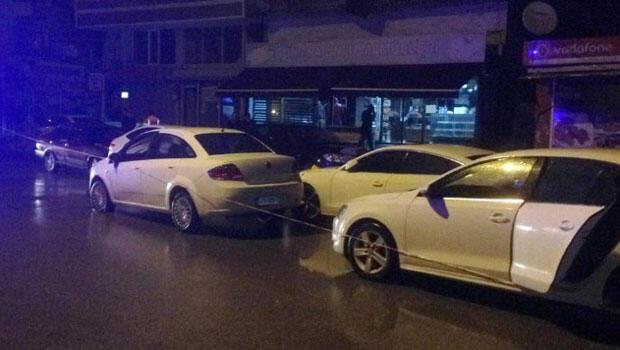 Batman'da tuhaf olay... Park halindeki otomobillere tekme tokat saldırdı