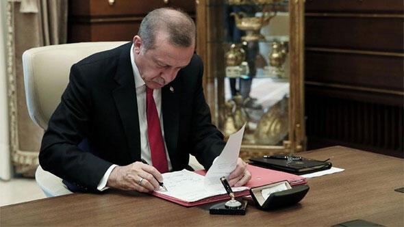 Cumhurbaşkanı Recep Tayyip Erdoğan, Cumhurbaşkanlığı Hükümet Sistemi`ne uyum yasalarını KHK