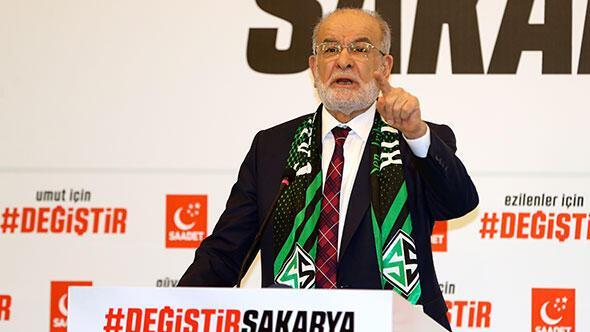 Saadet Partisi Cumhurbaşkanı Adayı Temel Karamollaoğlu, Sakarya'da bir otelde sosyal