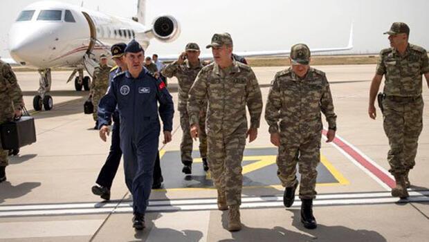 Hatay Havalimanı`na Kara Kuvvetleri Komutanı Orgeneral Yaşar Güler, Hava Kuvvetleri
