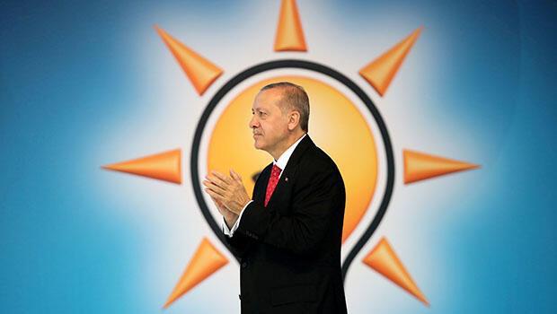 Seçim beyannamesini açıklayan Erdoğan, bugün ilk kampanya mitinginde Erzurum'da halkla