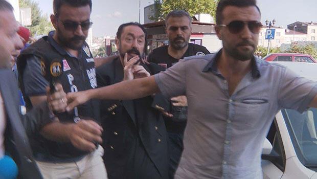 Villasında kepçeli kazı! Polis 200 milyon TL'nin peşinde... Adnan Oktar'ın ilk ifadesi ortaya çıktı
