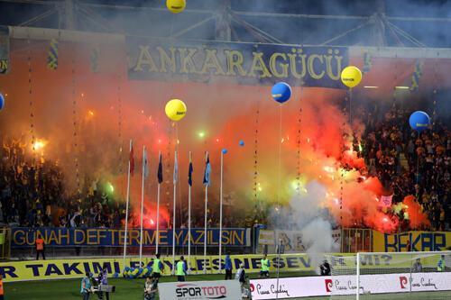 19 Mayıs Stadı'nın yıkılacak olması nedeniyle maçlarını Afyon'da oynayacak olan