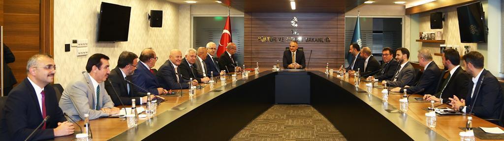 Ankara Ticaret Odası (ATO) Başkanı Gürsel Baran, yönetim kurulu ve
