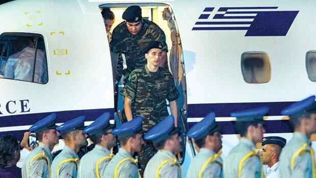 'Askerler Çipras'ı kurtardı'