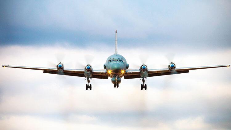 Suriye ordusu kaynağı: İsrailin düşürdüğü bir Su-22 uçağıydı