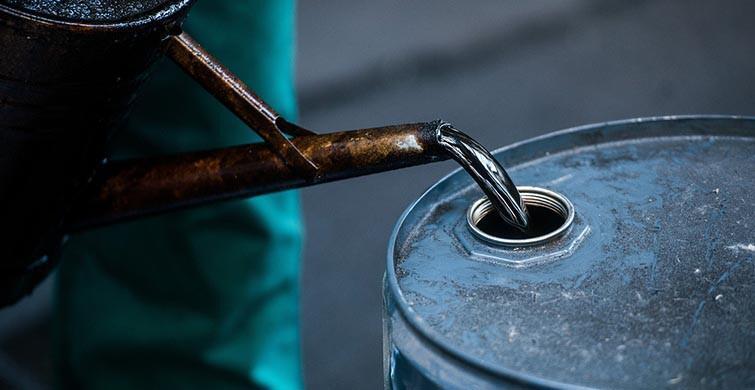 Brent petrolün varili 81,90 dolar