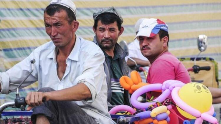 Çin'den Uygur Türkleri hakkında skandal açıklama: 'Hayatlarına renk katıyoruz'