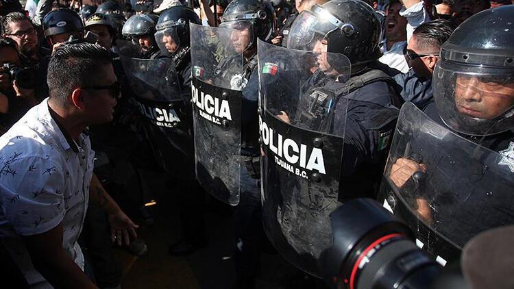 Meksika-ABD sınırında göçmen gerginliği