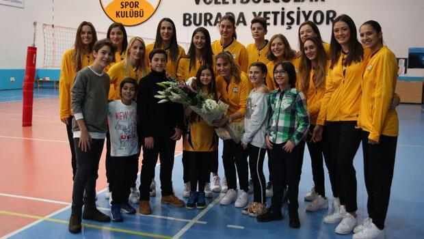 Vakıfbank Kadın Voleybol Takımı'nı tebrik ettiler