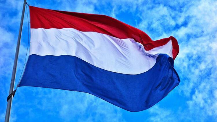 Türk kökenli trafik görevlisi Hollanda'da kahraman ilan edildi