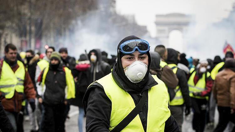 Fransa'da 'sarı yelekliler' büyümeyi yavaşlattı