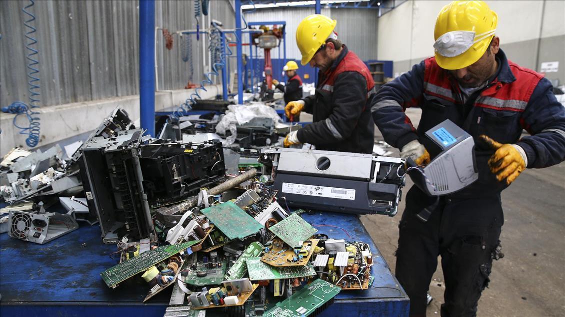 Dünyada her yıl 62 milyar dolarlık elektronik atık üretiliyor