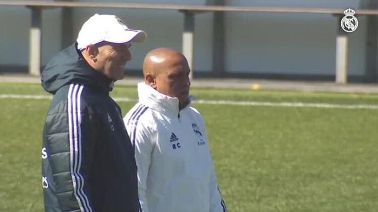 Real Madrid'de Roberto Carlos sürprizi