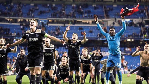 Ajax mucizesi: Toplu hücum toplu defans! Futbolun bitmeyen senfonisi