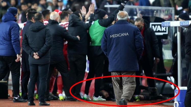 Beşiktaş'ta Burak Yılmaz'ın kafasına yabancı madde isabet etti ile ilgili görsel sonucu