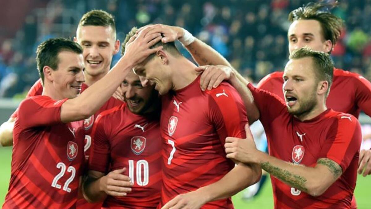 Çek Cumhuriyeti'ni 2 golle geçen Türkiye, 2. turu bekliyor 19