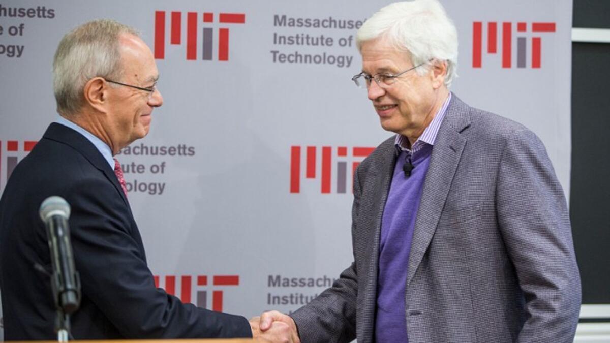 Nobel Ekonomi ödülleri Oliver Hart ve Holmstromün 54