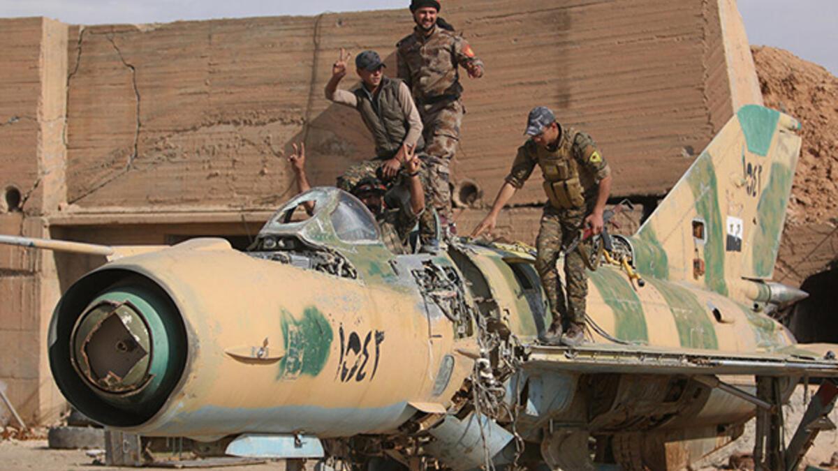 Terör örgütü YPG/PKK eski askeri uçakları Irak'a taşıyor…