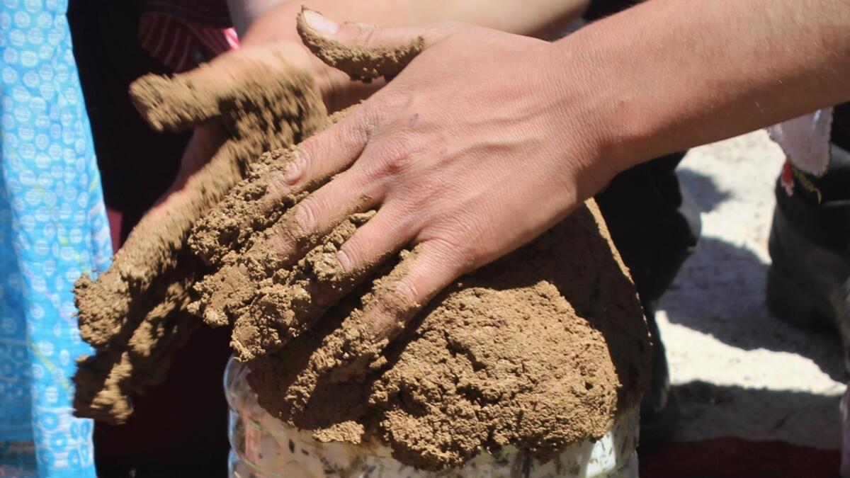 Lezzetinin sırrı çamurda saklı... Bu şekilde 5-6 ay saklanıyor