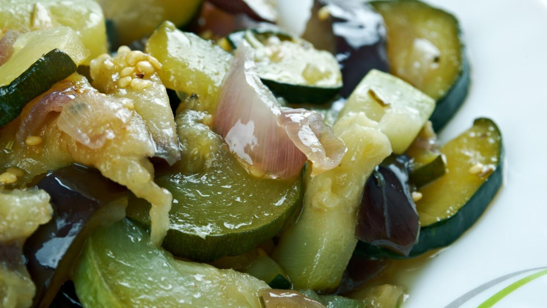 Zeytinyağlı Patlıcan Tarifi