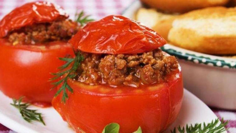 Fırında dolması domates pişirmek ne kadar lezzetlidir