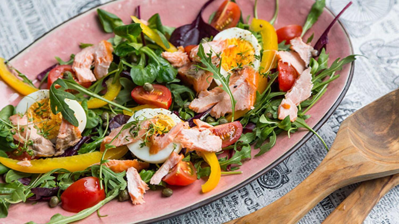 Yeşil turp salatası hazırla