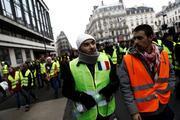 Pariste Sarı Yelekliler protestosu