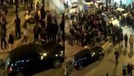 Sevgilisine kızıp caddede önüne geleni vurdu