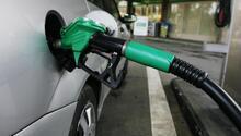 Benzinin litre fiyatına 7 kuruş indirim