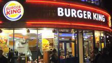 Burger Kingin sahibi Popeyesi satın alıyor