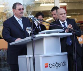 Son dakika... Ünlü iş adamı Mehmet Beğendik hayatını kaybetti